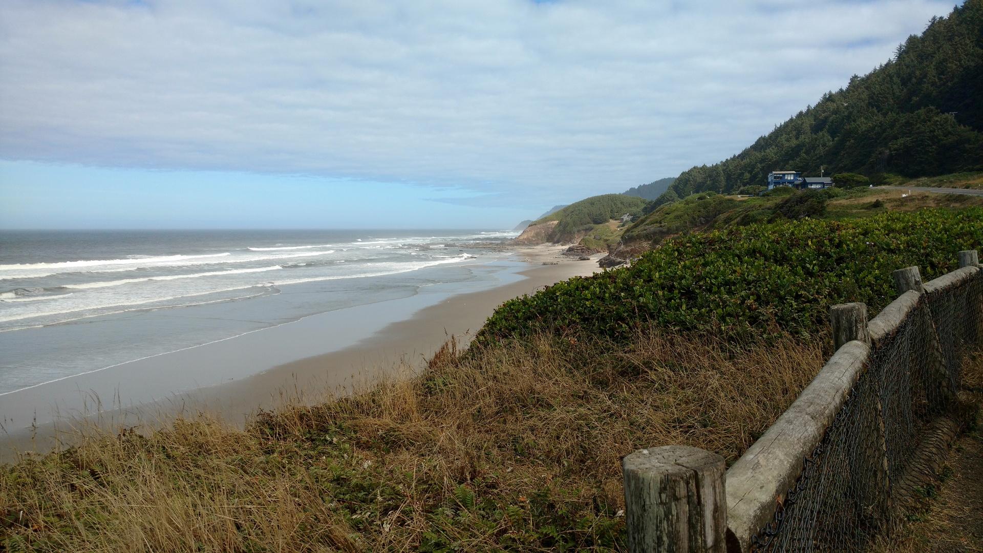 太平洋の長い海岸線が続く。