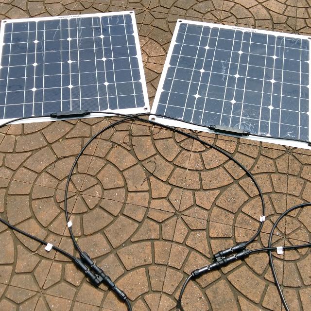太陽電池パネル50W×2枚
