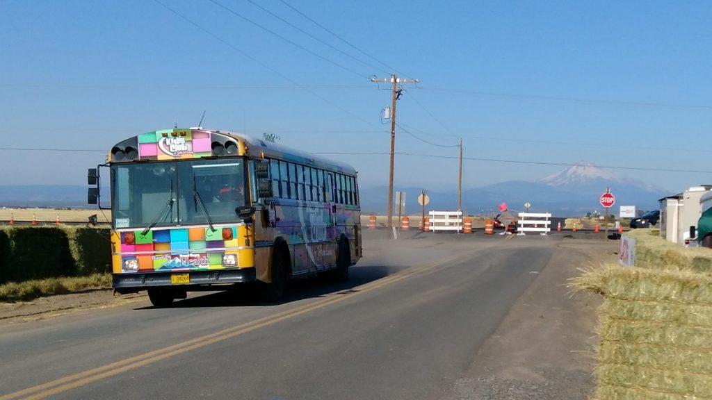 シャトルバスも動き始めました