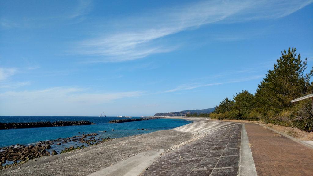 奈半利町海浜センター前の海岸