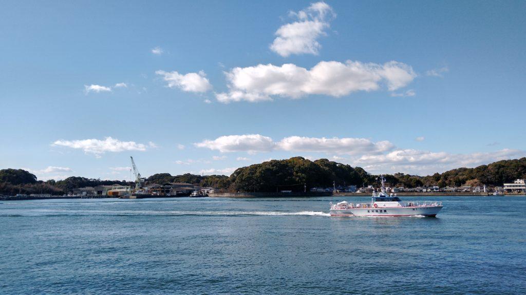 高知県営渡船:種崎渡船場から梶ヶ浦渡船場を望む